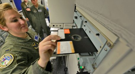 USA prastanú používať veľké diskety pre nukleárne zbrane