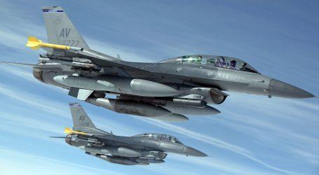 Kto bude pilotovať slovenské F‑16? Stíhači migov sú príliš starí