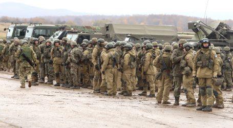 Vojakom i policajtom sa dvihnú platy o desať percent