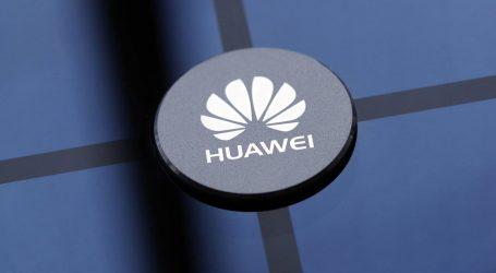 Huawei bude môcť ostať na americkom trhu. Na výnimku