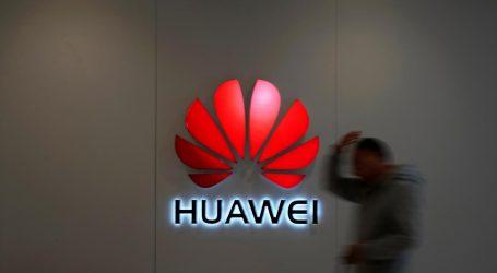 Merkelová vyzvala krajiny EÚ na spoločný postup proti Huawei