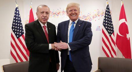 Trump sa v Sýrii spojil s Tureckom proti Rusku, Iránu a Asadovi