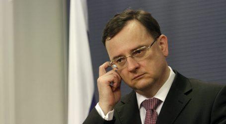 V kauze zneužitia Vojenského spravodajstva obvinili českého expremiéra