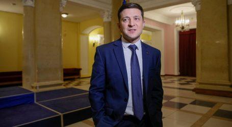 Ukrajina si otvára dvere na dohodu s Ruskom. Donbas získal na ďalší rok autonómiu