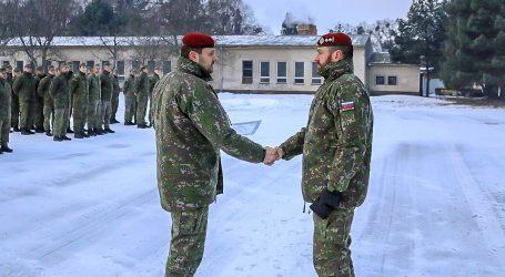 Vojaci sa vyzbierali kolegovi, čo prišiel o byt, skoro 7 000 eur