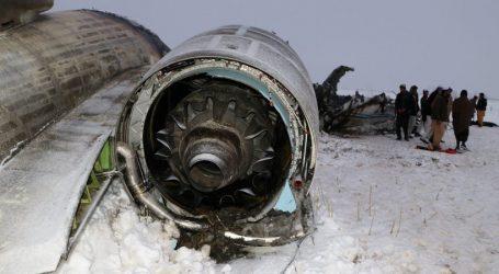 Američania vyzdvihli telá z havarovaného lietadla v Afghanistane