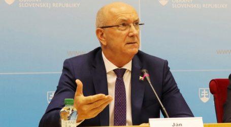 Vysoký funkcionár MO SR priniesol talianskeho mafiána k bezpečnostným zložkám