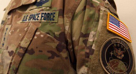 USA majú oficiálne vesmírne jednotky. Ich uniformy ako zo Star Treku veru nie sú