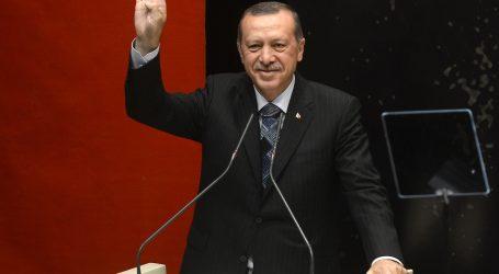 Erdogan: Ak padne líbyjská vláda, Európa bude stáť pred hrozbou terorizmu