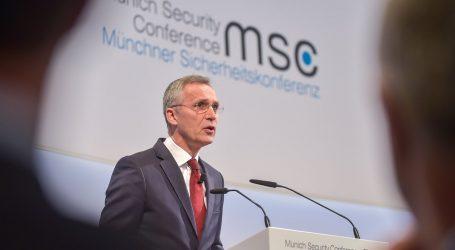 Stoltenberg odmieta Macronovu myšlienku strategickej autonómie EÚ