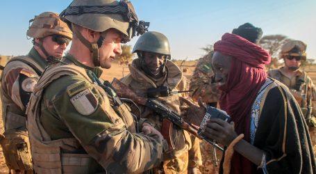 Francúzsko posiela do Afriky ďalších 600 vojakov