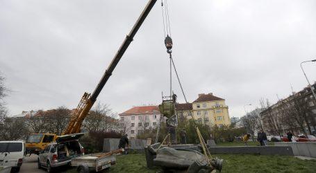 Starosta, ktorý odstránil sochu Koneva, dostal ochranku