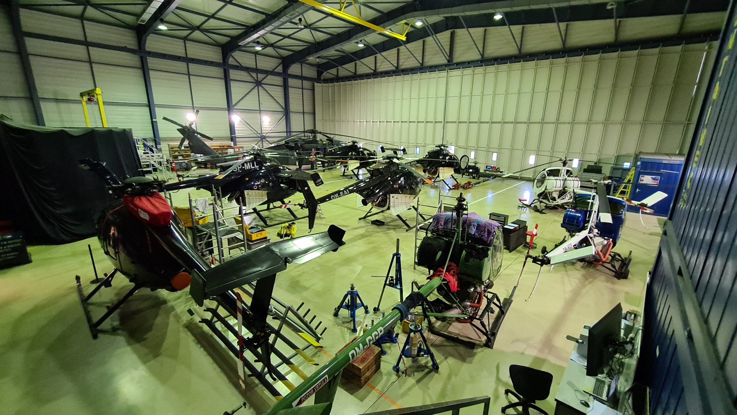 Hangár Slovak Training Academy, unikátneho vycvikového strediska pre pilotov vrtuľníkov.