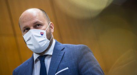 Abu Dhabí: Minister obrany Naď na veľtrhu podporil slovenský obranný priemysel