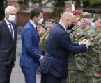 Za evakuáciu z Afganistanu ocenil minister obrany vojakov aj veľvyslankyňu USA
